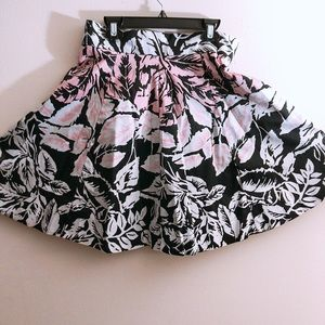 NEW S/S Floral Skirt (size 2p)